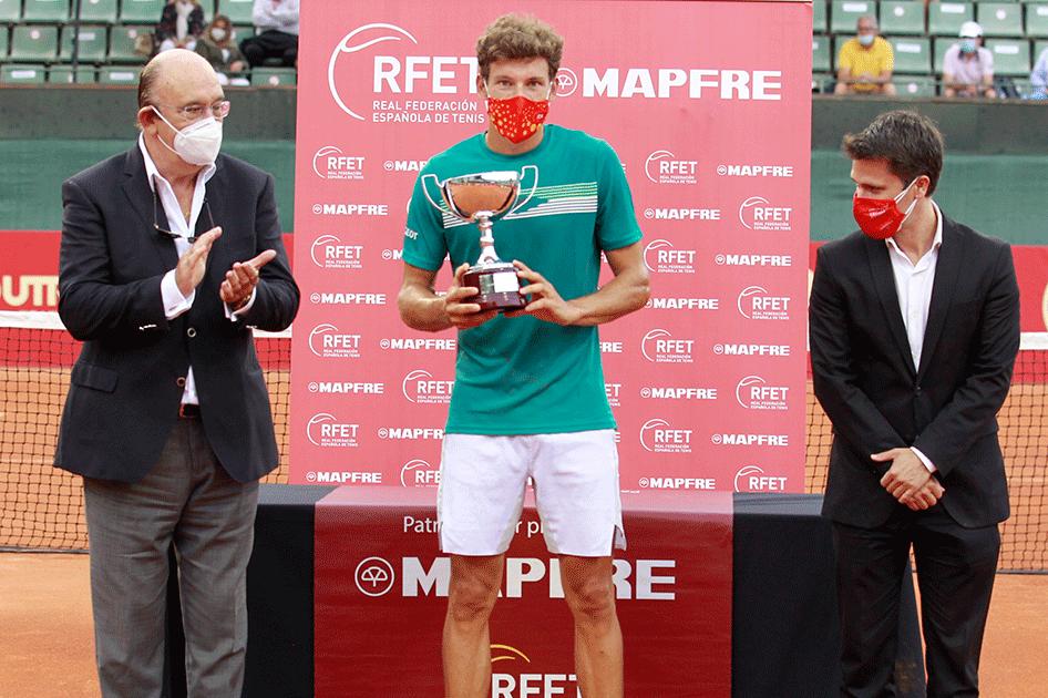El equipo liderado por Pablo Carreño se adjudica el primer torneo de la Liga MAPFRE de Tenis en Barcelona