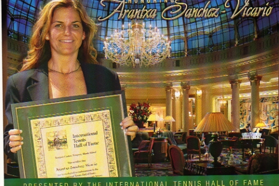 Arantxa Sánchez Vicario recibe el homenaje del International Tennis Hall of Fame